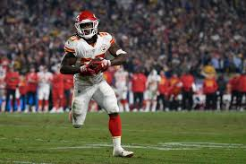 Despite Controversy, Running back Kareem Hunt signs with Cleveland Browns