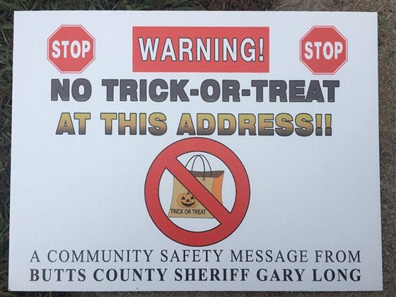 Signs that were placed ahead of last Halloween (courtesy of Butts County Sheriff's Office)