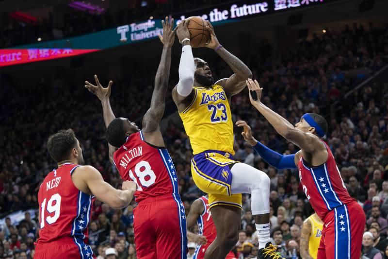 LeBron%27s+layup+that+passed+Kobe+in+points+scored.